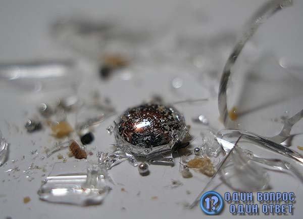Маленькие капли жидкого металла