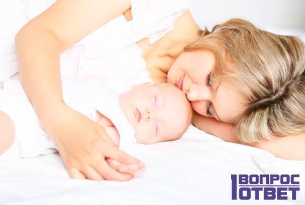 Приложили к животу новорожденного