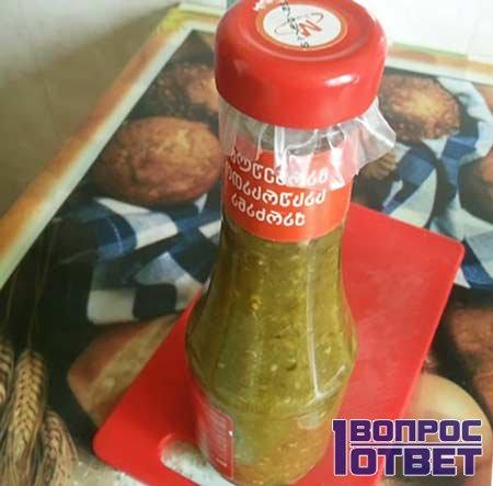 Готовая бутылка соуса ткемали