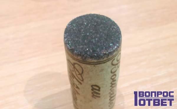Пробка с минералами винного камня