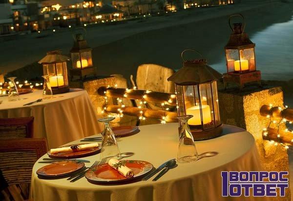 Красивая сервировка стола для влюбленных