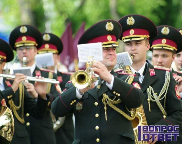 Парад в честь Дня Защитника отечества
