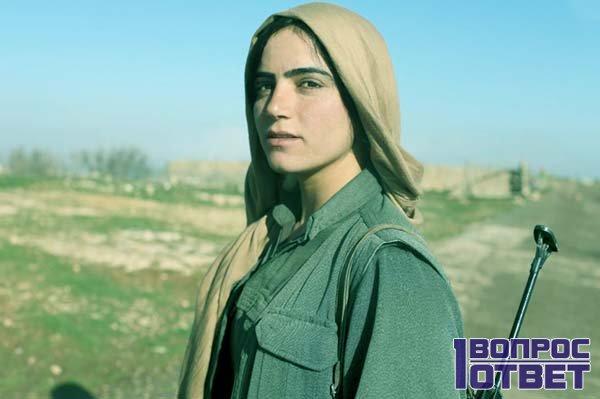 Молодая женщина-курд