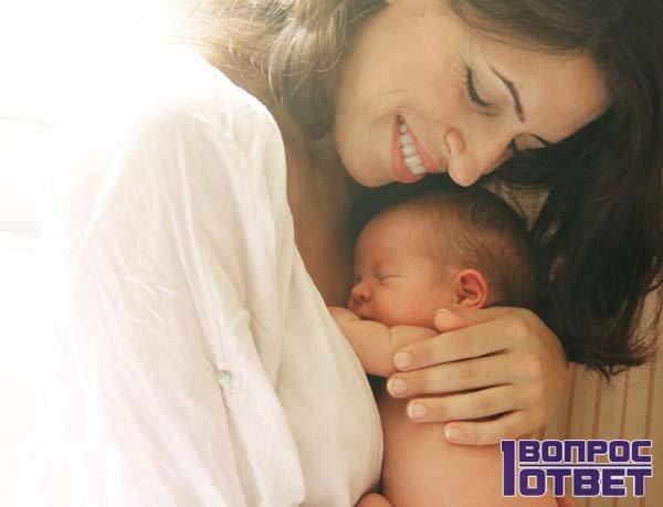Мать любит своего ребенка