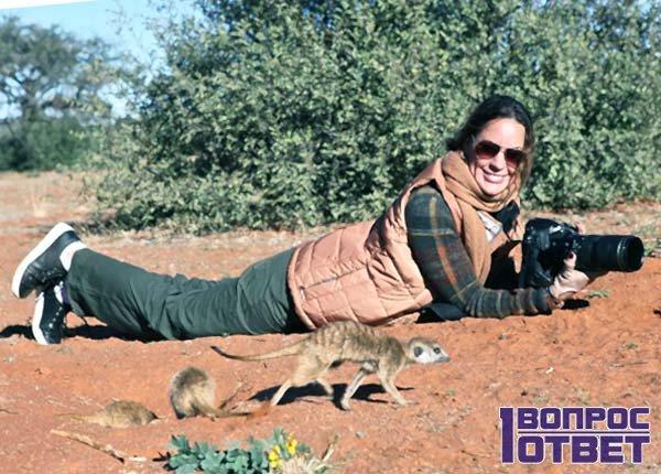 Ольга фотографирует в пустыне