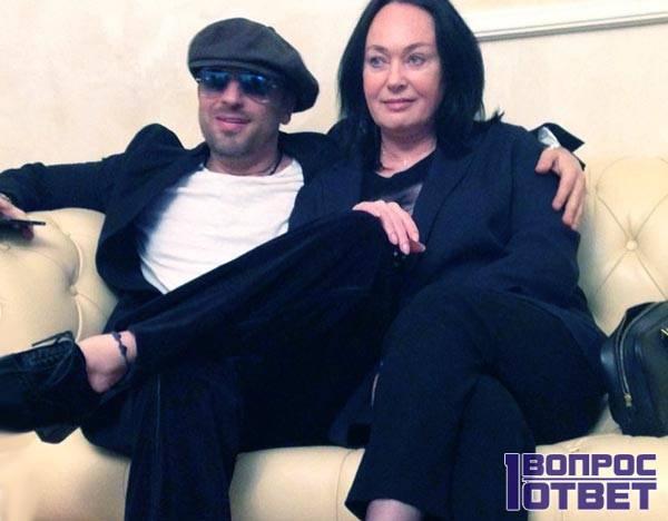Нагиев и Гузеева на диване