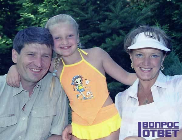 Андрей Тришин и Елена Проклова с дочерью