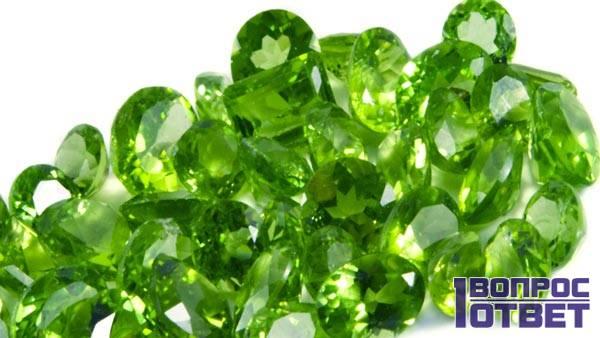 Зеленый минерал с необычными свойствами