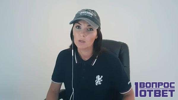 Вероника ведет ютуб-канал