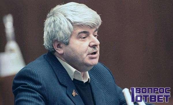 Гавриил Попов - первый мэр
