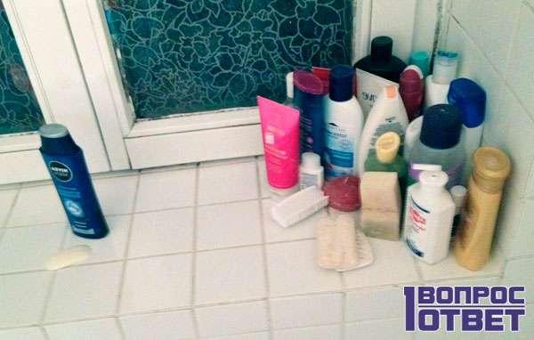 Полка в ванной после переезда