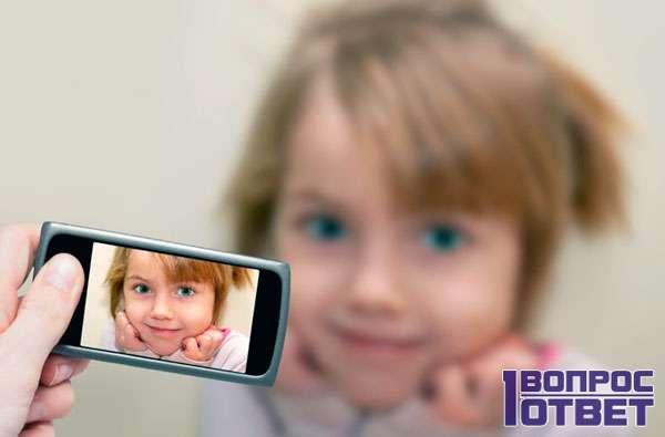 Съемка дочки на фотоаппарат