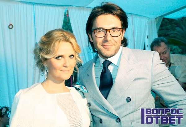 Малахов и его жена - Шкулева Наталья