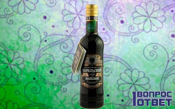Бутылка темного алкогольного напитка
