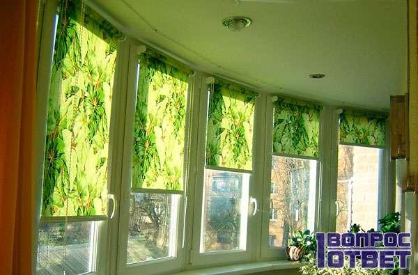 Фото-рулонные шторы на балконе