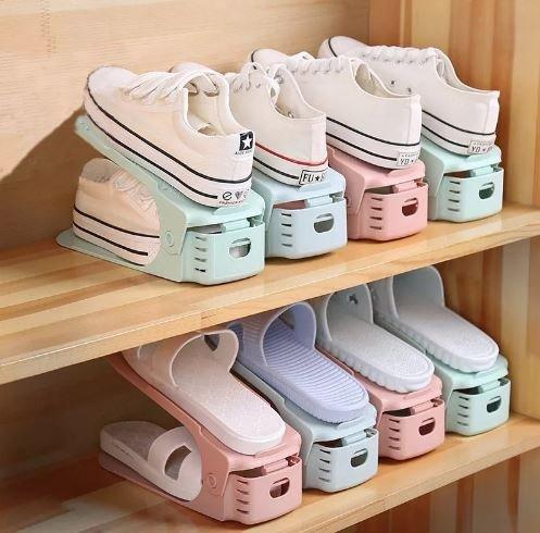 Храним обувь организованно: виды и характерные отличия подставок и полок